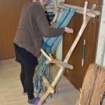 Arheološka izkustvena delavnica - predenje in tkanje