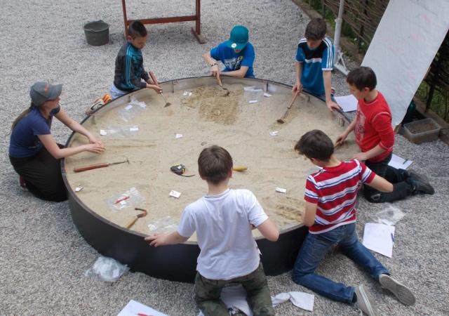 Arheološke delavnice za osnovnošolce