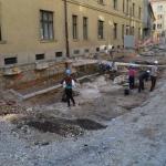 Sledovi novoveških in sodobnih gradenj, ki so uničile starejše plasti (foto: J. Stehlíková).