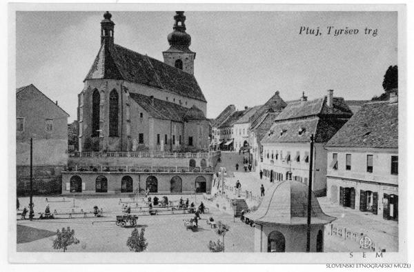 Slika 3: Pogled prostor tržnice po porušenju Male kasarne (vir: Slovenski etnograski muzej: www.etno-muzej.si/sl/digitalne-zbirke/vekoslav-kramaric/f0038027).